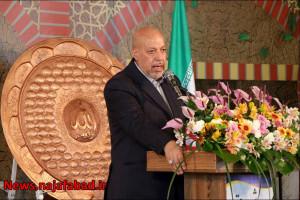 زمان کشت غرقابی گذشت؛ کشت زعفران در اصفهان ابتدای راه است