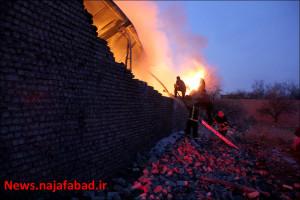 آتش سوزی در کارگاه تولید ادوات فلزی ، رنگ آمیزی و تولید تشک
