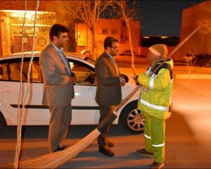 دیدارشهردار با آتشنشانان و پاکبانان در شب عید