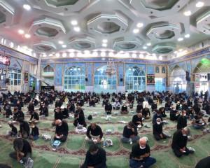مراسم عزاداری  و نماز جماعت در عاشورای حسینی