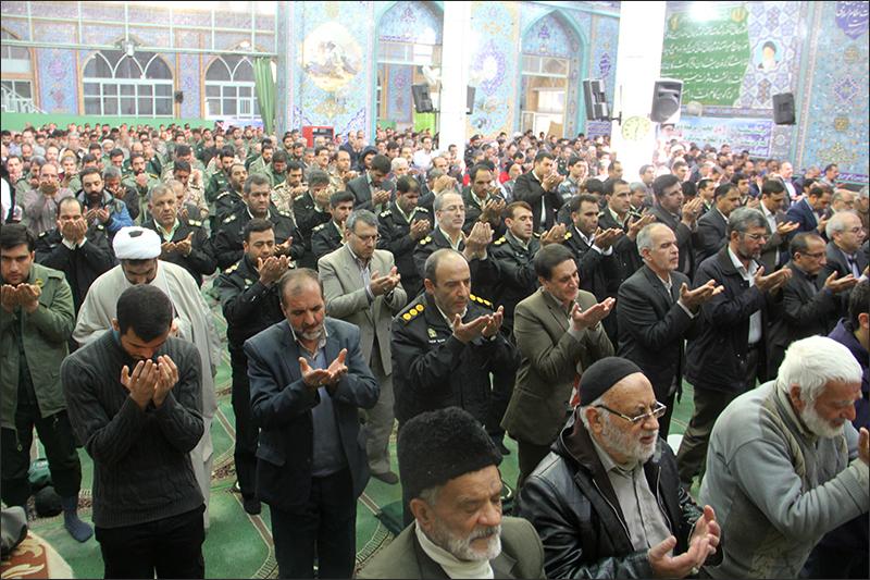 پس از اقامه نماز وحدت امام جمعه نجف آباد بیان داشت: